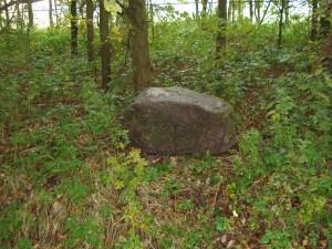 steen aan het kerkpad